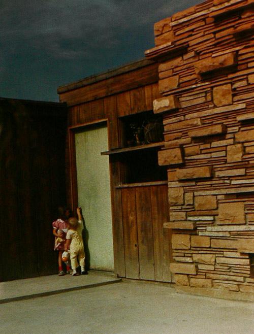Modern Phoenix The Neighborhood Network - Guirey-residence-arizona-architecture-classic